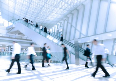 More firms to hire workers in first half of 2013: poll
