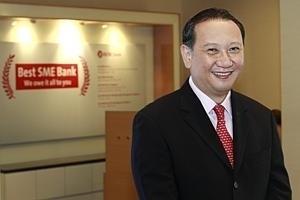 Smaller firms venture overseas