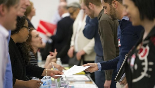 US jobless claims fall to lowest level in almost 5.5 years