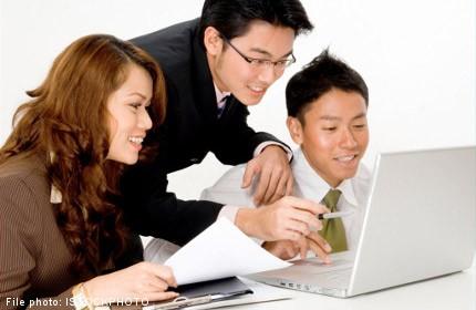 Execs sharpen presentation skills