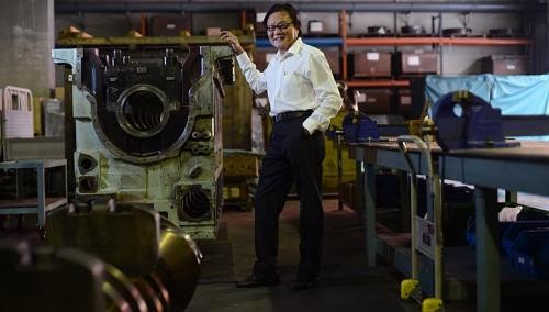 Age no barrier for salesman who climbs up and down ships