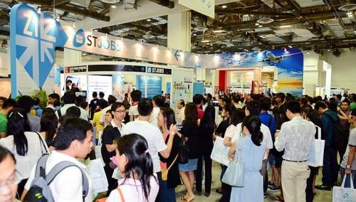 ST career fair draws 52,000 over two days