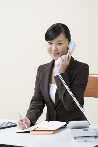 Take up your ideal job as telemarketer now