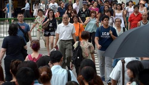 S'poreans want to semi-retire at 57: Poll