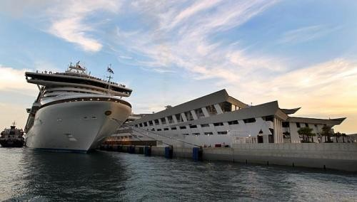 Give cruise passengers 'seamless experience'