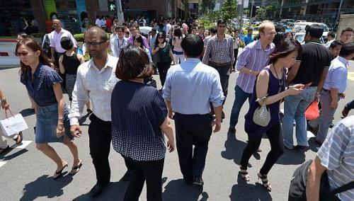 Singapore consumer confidence dips over job worries: Nielsen