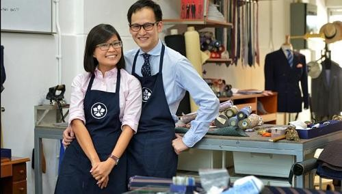Duo turn fashion hobby into online business