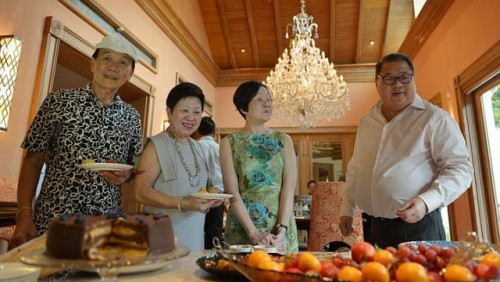 Retirees get farewell tea - at boss' home