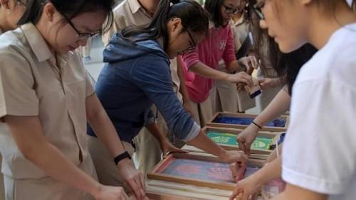SUTD students visit schools to showcase university