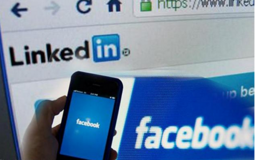 More jobseekers over 45 prefer Facebook over LinkedIn