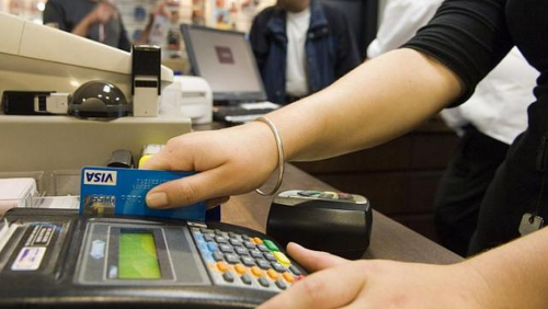 Singapore retailers slow to adopt smart payment solutions