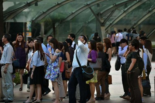 Singapore headhunters expect hiring freeze in 2016