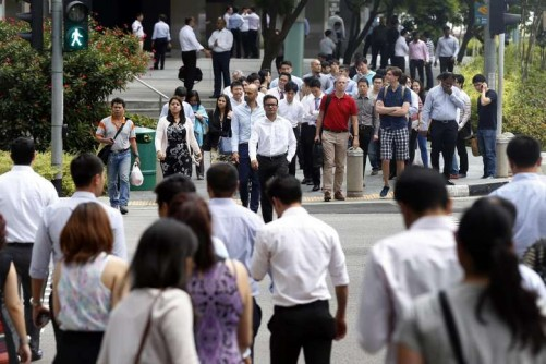 Unemployment for Singaporeans falls but more older workers jobless: MOM Q1 labour report