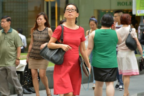 39% of Singapore professionals believe there's a gender gap