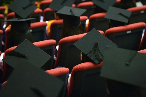Tough job hunt for private school grads: Poll
