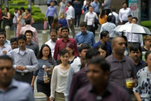 Civil servants to get one month's year-end bonus as economy does better