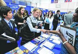 US job market turns around for graduates